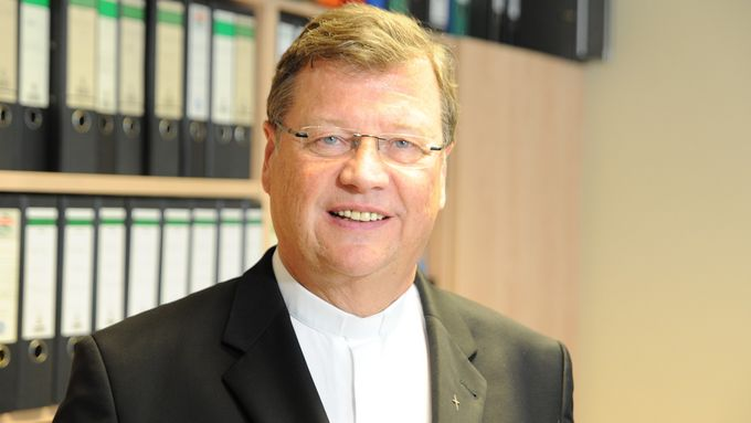 Bischof Abromeit